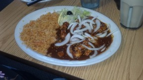 """Say """"Ole!"""" to the Chicken Mole at El Rincon in Reedley"""